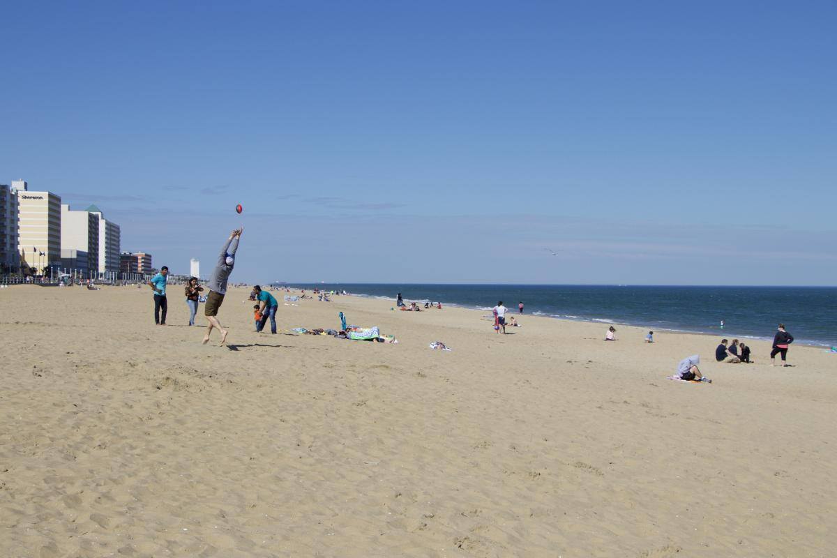 Virginia Beach Va Is The Perfect Spring Break Destination Whether You Are A Family Looking For Warm Sandy Beaches And Fascinating Attractions Or College