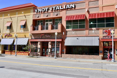 A small thumbnail picture of the outside of Ynot Pizza