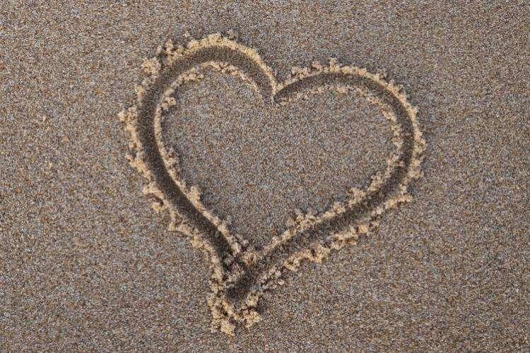 Single girl's guide to Virginia Beach